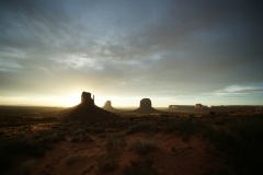 Morning light in Monument Valley