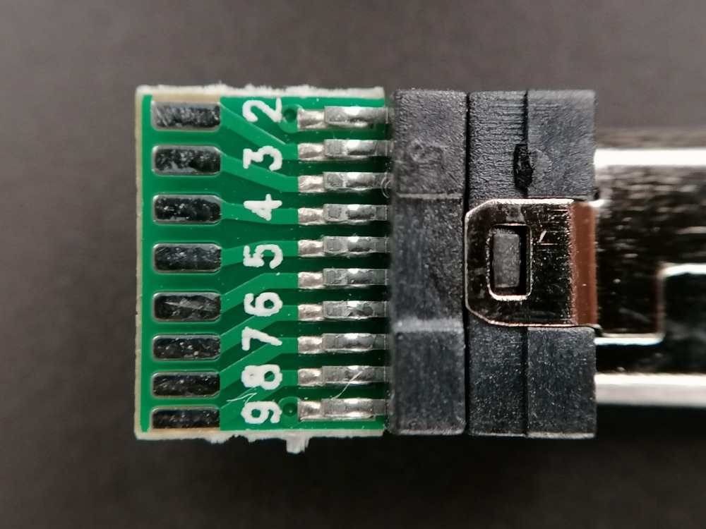 Sony-Multiport-Adapter-Bottom